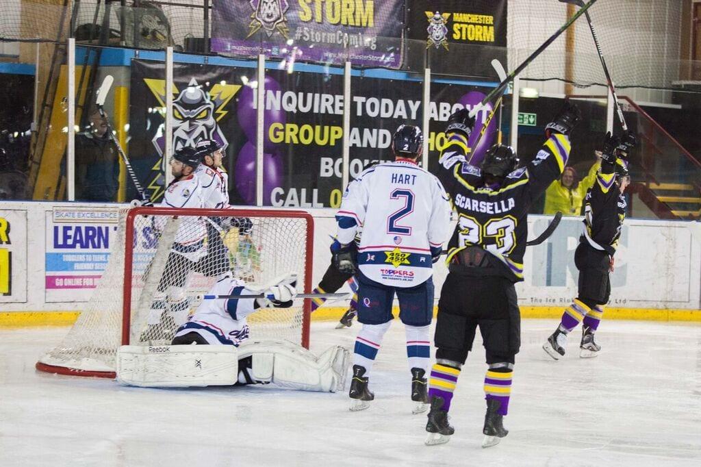 Scarsella Makes Stars Switch British Ice Hockey
